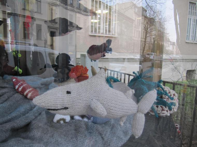 Fadenscheinige Meeresforschung Halle Häkelmonster