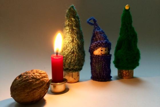 Korknisse Häkelmonster Weihnachts-Wichtel